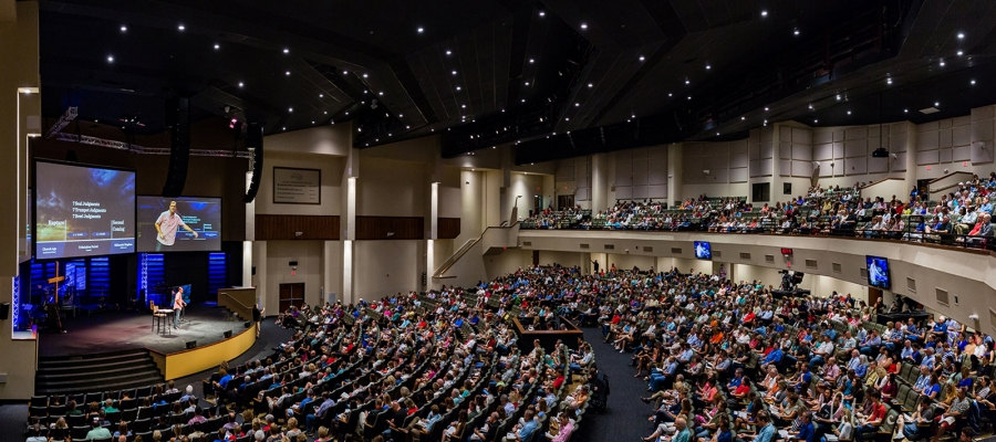 Hill Country Bible Church Uses Chroma-Q Fixtures to Inspire