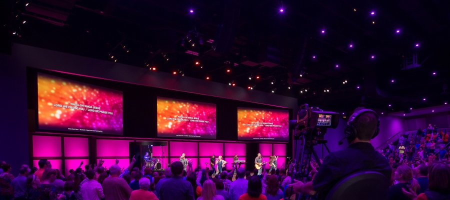 Chroma-Q Inspire House Lights Provide Immersive Environment for Valley Creek Church